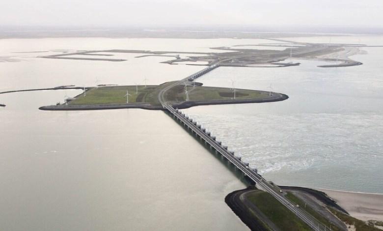 un-dique-de-8-kilometros-para-salvar-a-los-paises-bajos-de-inundaciones-fatidicas:-asi-es-el-enorme-oosterscheldekering