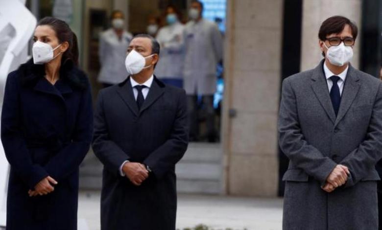 """gritos-al-ministro-de-sanidad-en-el-homenaje-a-los-sanitarios-fallecidos:-""""¡illa-dimision!"""""""