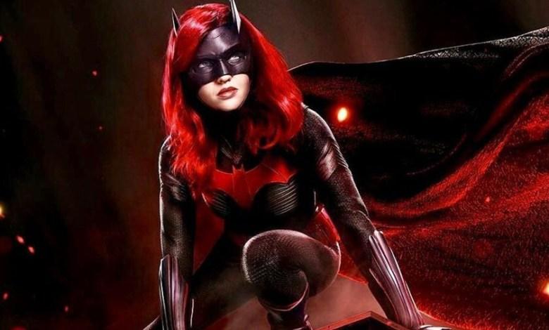 'batwoman'-t2:-cambio-de-heroina-y-una-pizca-menos-de-carisma-para-el-regreso-del-bat-verso-televisivo-a-hbo
