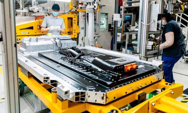 los-vehiculos-electricos-necesitan-menos-materias-primas-que-los-de-combustion