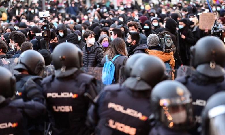 """la-policia-impide-que-la-manifestacion-por-hasel-avance-por-madrid:-""""pronto-volveremos-y-seremos-mas"""""""