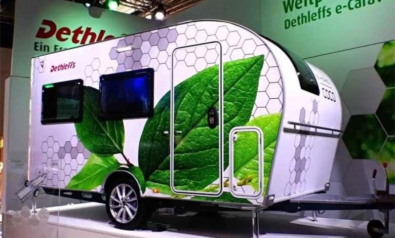el-audi-e-tron-sportback-y-una-pequena-caravana-logran-un-nuevo-record-de-autonomia-real
