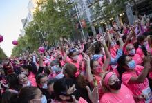 madrid-se-tine-de-rosa:-mas-de-18.000-mujeres-participan-en-la-carrera-de-la-mujer