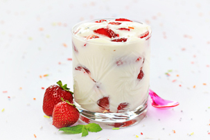 berry parfaits recipe with step by step pictures and list of ingredients, mixed berry parfaits, whipped cream glass with fruit