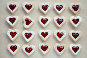 linzer heart shaped cookies