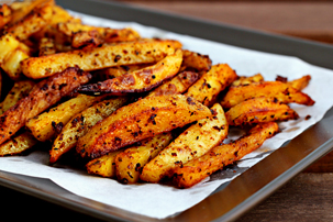 man-approved spicy oven fries recipe with step by step pictures, how to make oven fries, how to make spicy oven fries, pictures, images, ingredients