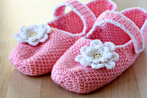 crochet pink mary jane slippers, tutorial, pictures, step by step, images