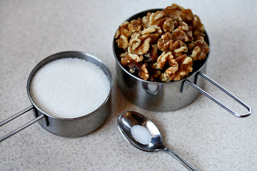 candied walnuts recipe with step-by-step images