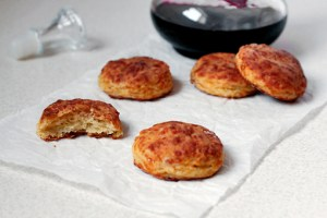 bacon and cheese biscuits  with step by step pictures and list of ingredients, bacon and cheese biscuits recipe