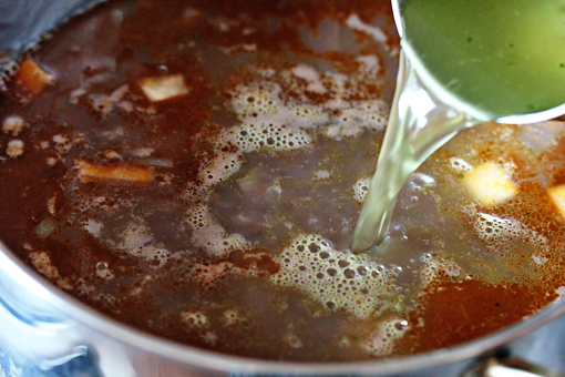 bean soup recipe with step by step pictures, add the chicken stock