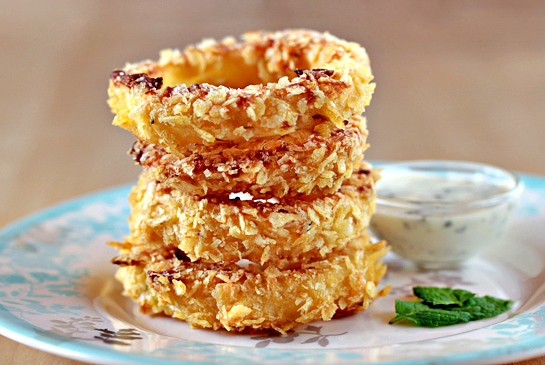 oven-fried onion rings with potato chips coating, recipe with step by step pictures