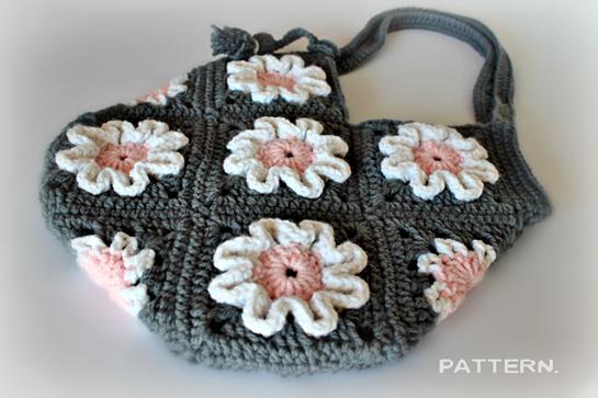 crochet purse pattern by zoomyummy.com
