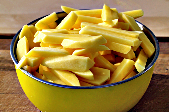 man-approved-spicy-oven-baked-french-fries-step-by-step-recipe-how-to-cut-potatoes-for-french-fries-picture-tutorial