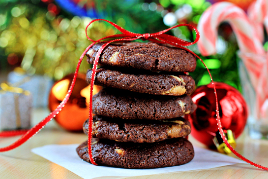 chocolate-cookies-with-nuts-and-white-chocolate-chunks-ingredients-recipe-with-step-by-step-images