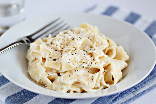 light-fettuccine-alfredo-recipe