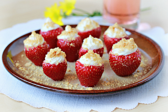 cheesecake-stuffed-strawberries-recipe