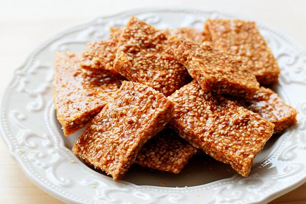 Sesame Brittle « Recipe « Zoom Yummy – Crochet, Food ...
