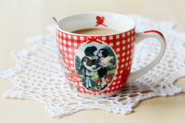 retro mug with kids kissing toadstools and birds