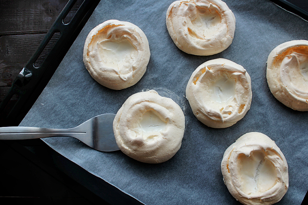 mini pavlovas with cream recipe