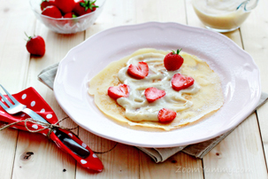 Crepes with Pastry Cream and Strawberries