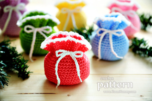 Mini Crochet Pouches (PATTERN)