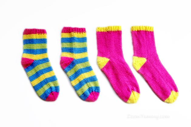 The Easiest Knitted Socks Ever DIY « Diy « Zoom Yummy – Crochet ...
