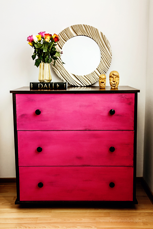 Renovating Furniture With Chalk Paint