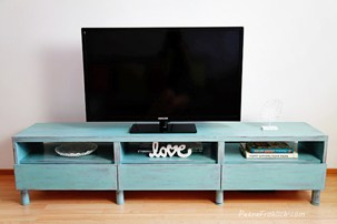 Painting TV Table With Chalk Paint