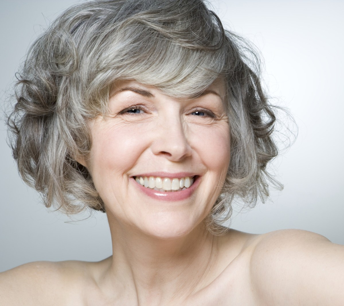 classy  simple 23 short hairstyles for older women