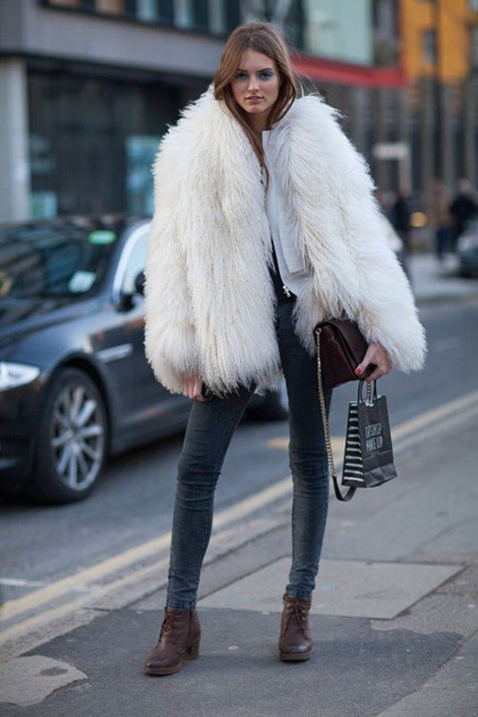 9e535e3a123 la-modella-mafia-fall-2013-fashion-week-street-style-models-off-duty -in-fur-via-hbz-1-1