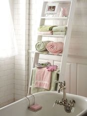 Princess-Like Shelves For Gorgeous & Feminine Chic Bathroom