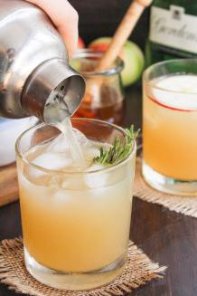 Apple Bees Knees Cocktail