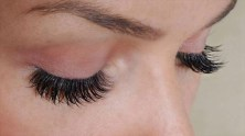 Apply Vaseline Before Mascara To Make Eyelashes Longer