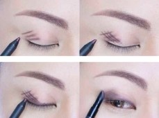 Draw A Slanted Hashtag To Get A Smokey Eye By Blending It