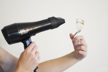 Heat The Eyelash Curler With A Blow-Dryer To Curl Easily & Hold The Shape Longer