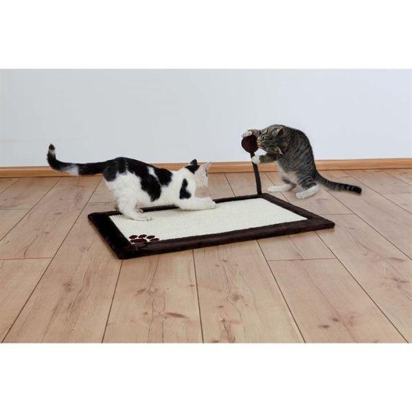 Дряпка-коврик с мячиком на пружине для кошек Trixie коричневая 70х45 см.