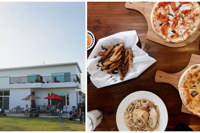 新竹新豐 Deer Nana Cafe 咖啡、甜點、義大利麵・戶外大草坪・寵物友善空間。
