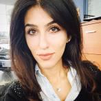 Mahshad Khosraviani har genomgått zoroastrisk utbildning i Iran och blev Nordamerikas första kvinnliga mobed 2012