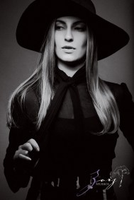 Effortless, Powerful, Classic: Beauty Portraiture (10)