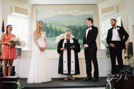 Wolke 9: Jana + David = German-American Rustic Wedding in Vermont by Zorz Studios (93)