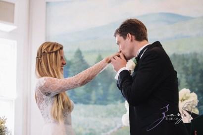 Wolke 9: Jana + David = German-American Rustic Wedding in Vermont by Zorz Studios (85)