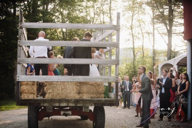Wolke 9: Jana + David = German-American Rustic Wedding in Vermont by Zorz Studios (51)