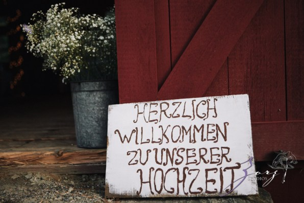 Wolke 9: Jana + David = German-American Rustic Wedding in Vermont by Zorz Studios (31)