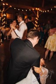 Wolke 9: Jana + David = German-American Rustic Wedding in Vermont by Zorz Studios (23)