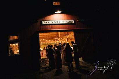 Wolke 9: Jana + David = German-American Rustic Wedding in Vermont by Zorz Studios (17)