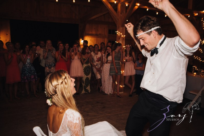 Wolke 9: Jana + David = German-American Rustic Wedding in Vermont by Zorz Studios (9)