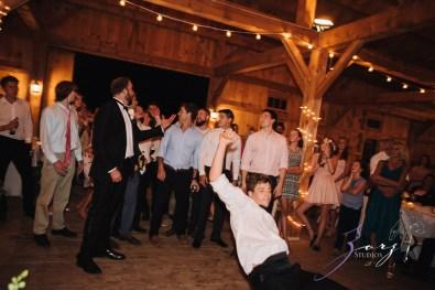 Wolke 9: Jana + David = German-American Rustic Wedding in Vermont by Zorz Studios (7)