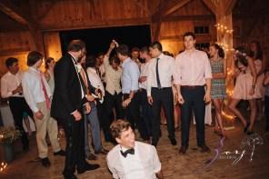 Wolke 9: Jana + David = German-American Rustic Wedding in Vermont by Zorz Studios (5)