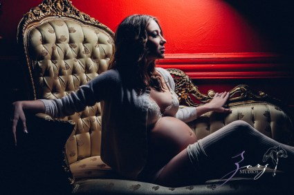 Model Release: Chic Maternity Session by Zorz Studios (17)