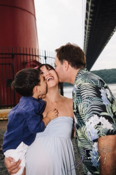 Cassis: Little Red Lighthouse Maternity Session by Zorz Studios (28)